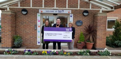 Glass Firm Gives Generously to Rotherham Hospices